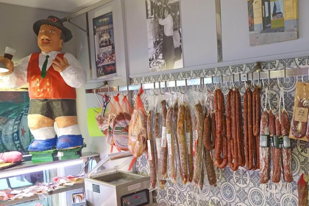 La Moderna - Charcutería alemana Hermann Thate, el Label del Ensanche Bilbao - Charcutería La Moderna en Indautxu (foto Very Bilbao)