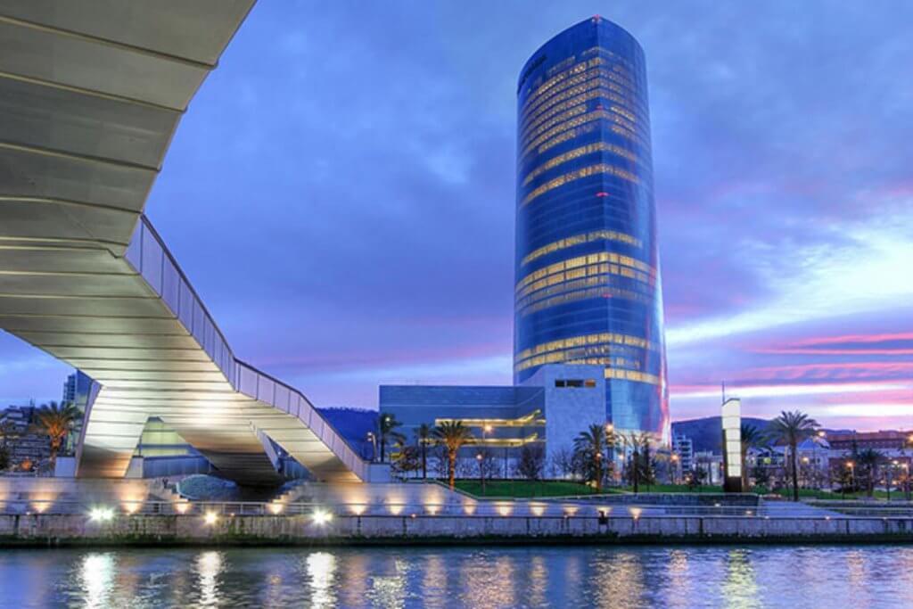 Torre Iberdrola - La cafetería y el restaurante de La Torre de Bilbao - Restaurante Torre Iberdrola