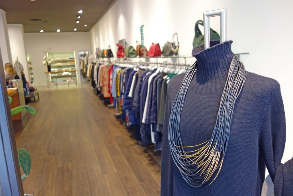 b54 ofrece la mejor propuesta en moda femenina en Bilbao. - b54