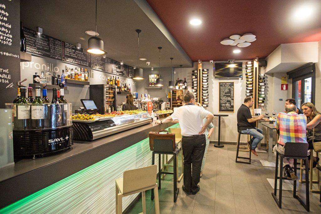 Bar Restaurante Capricho - Pintxos, raciones, jamón a cuchillo, vinos... Bilbao - Bar Restaurante Capricho