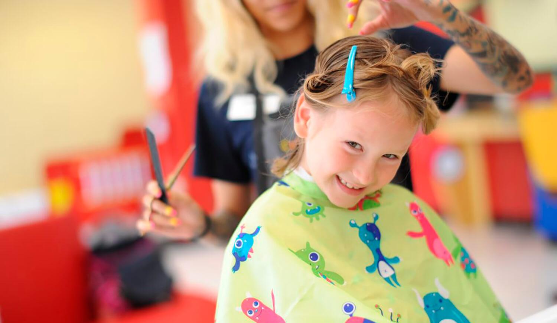 Taller de peinados en el sal n cambio y corto del centro for Actividades en el salon de clases