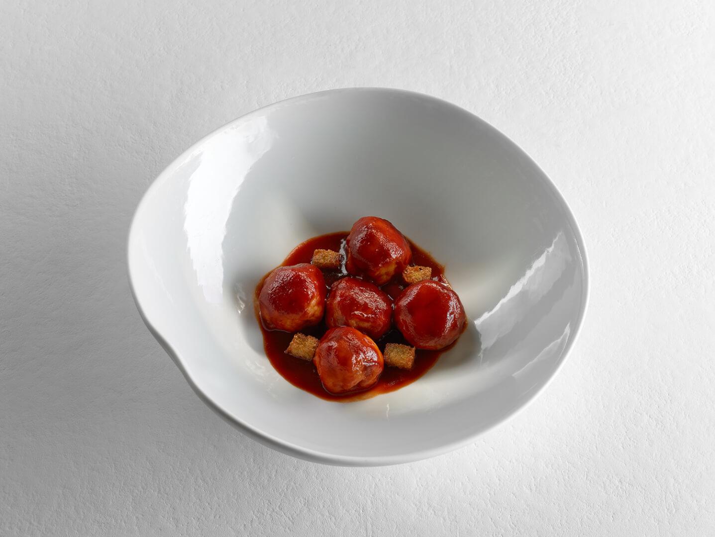 Albóndigas de bacalao en salsa bizkaina