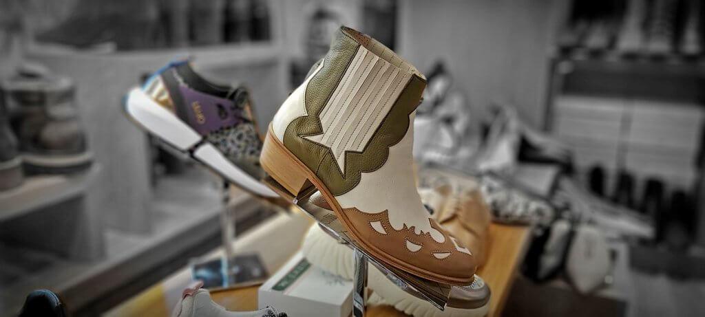 Urru-Bilbao - Para los verdaderos amantes de un buen zapato - URRU BILBAO SS20