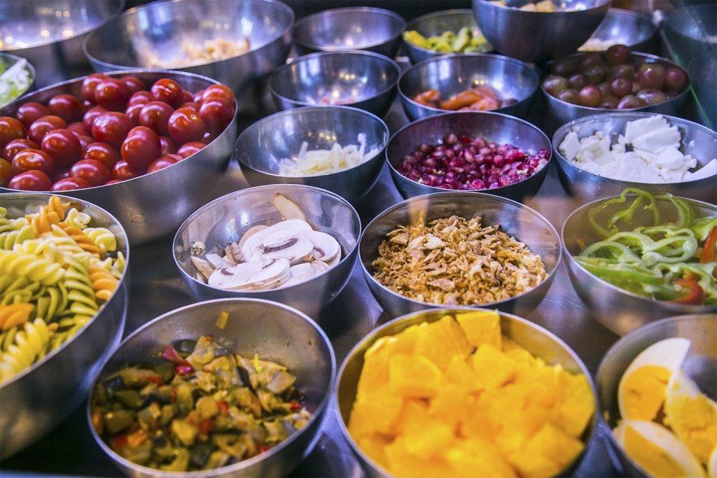 Sua San - Healthy meals in front of the Guggenheim Museum Bilbao