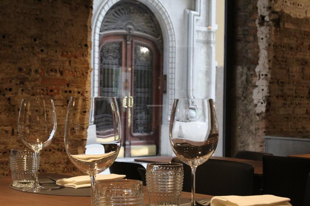 Patri Gastrobar. Inspired with much pride in the life-long taverns of The Old Part of Bilbao. - Patri es el gastrobar de Martin Berasategui en el Casco Viejo de Bilbao
