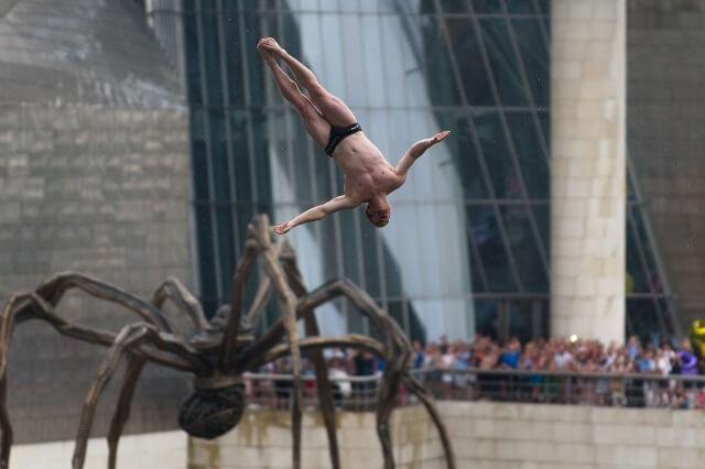 Bilbao se prepara para los saltos del Red Bull Cliff Diving