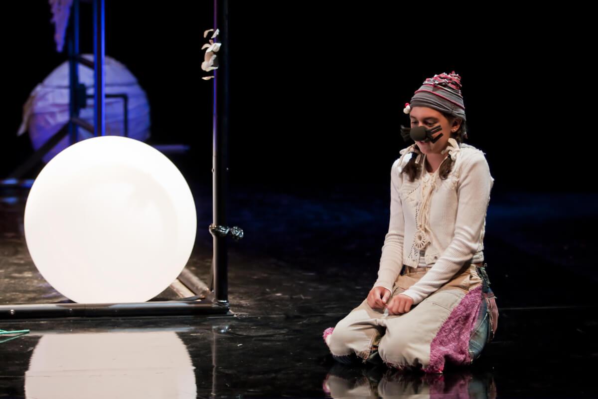 Ikimilikiliklik, Mi pequeña en el Teatro Arriaga