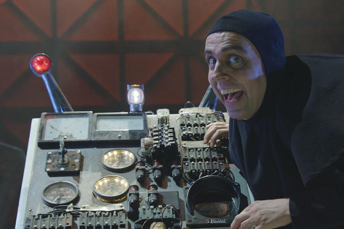 Jordi Vidal como Igor
