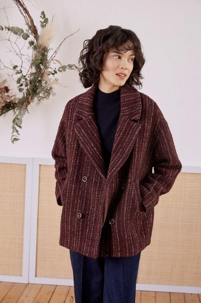 N32 (Ledesma 32 y Dr Achúcarro 4, Bilbao) Chaquetón de Petits Hauts, confeccionado en un tejido en lana de fantasía y producido en Italia ANTES: 289,00 AHORA: 202,50€