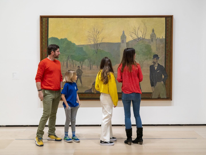 Visitando la exposición en el Museo Guggenheim de Bilbao